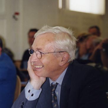 François Caron (1931-2014), membre d'honneur.