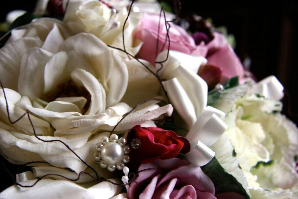 Calla Lilies, Roses, Orchids, Berreis,  Pearls & Diamantes