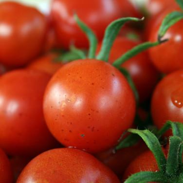 Tomates cereja, legumes