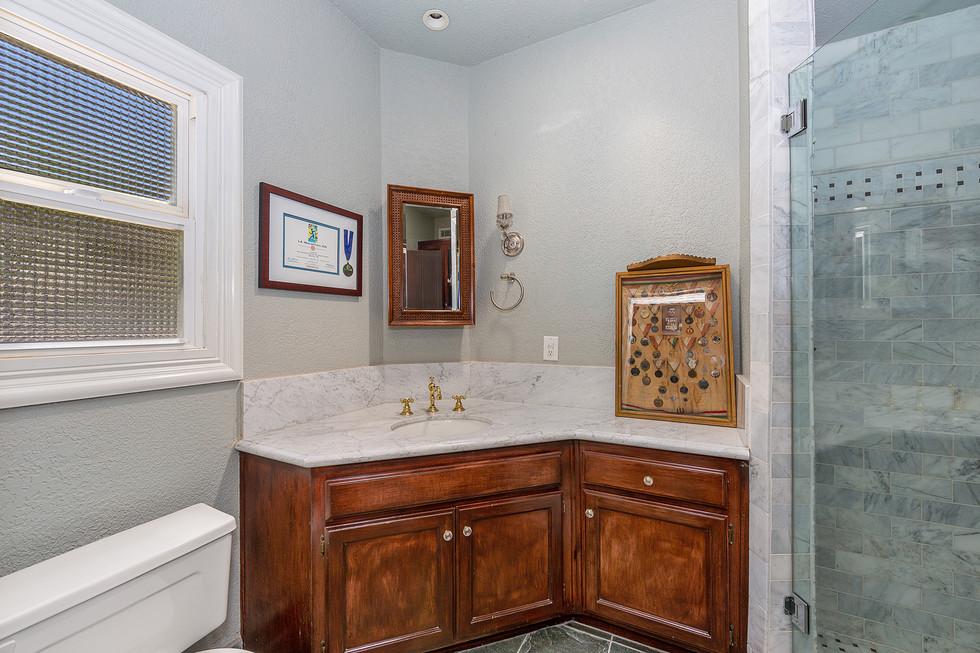 Ensuite Guest Bath