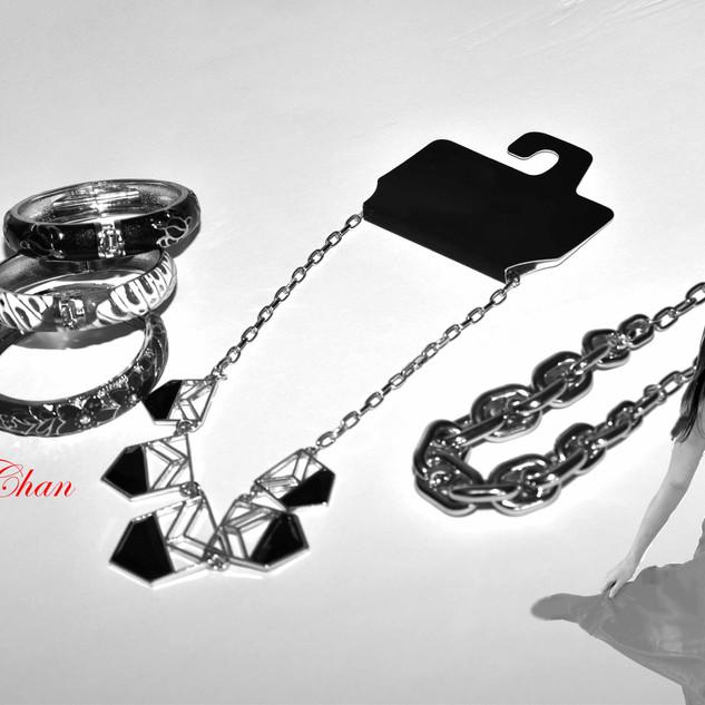 braceletandnecklacemodel1.jpg