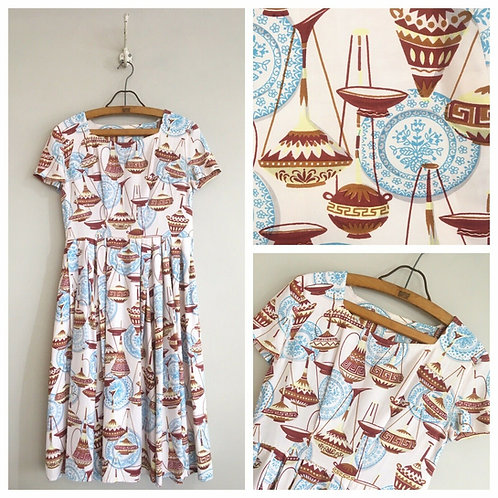True Vintage 1950s Novelty Print 'Jugs' Dress W30""