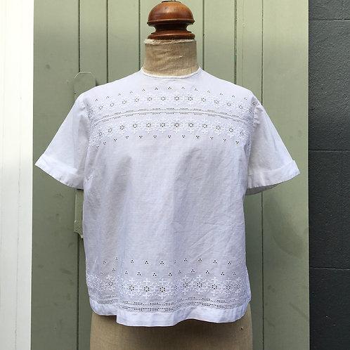 True Vintage 1960s Embroidered Cotton Blouse M L