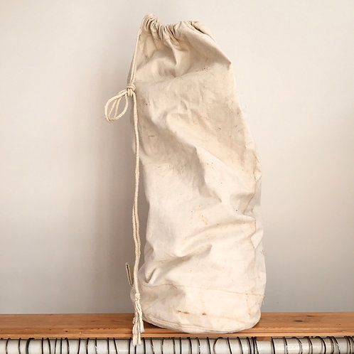 True Vintage Cream Canvas Kit Bag