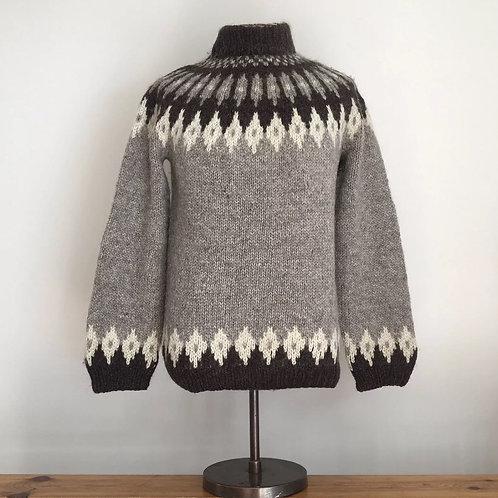 Vintage Scandinavian Hand Knit Wool Sweater M