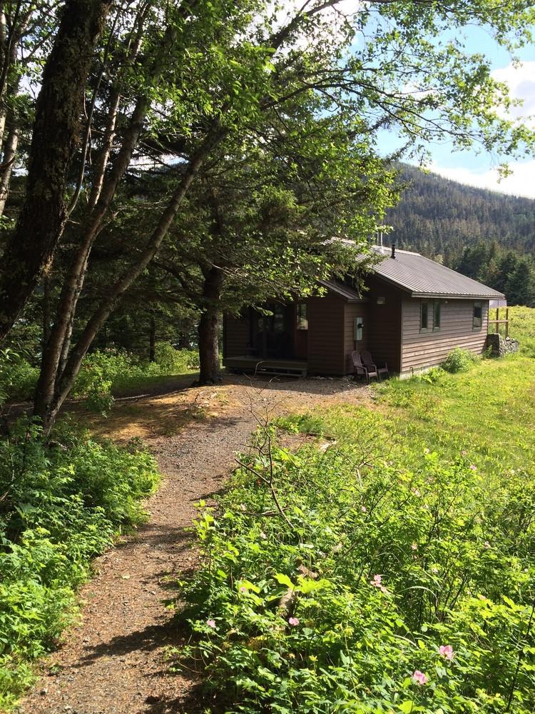 Cabin at Viking Cove.jpeg