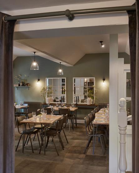 Queens Head Pub Restaurant Interior