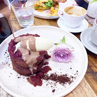 FLOVIE FLORIST CAFE