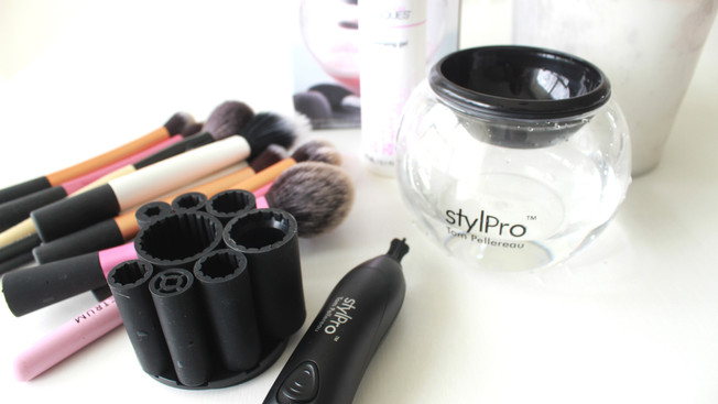 The StylePro Brush Cleaner