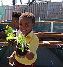 DuNoon Kids help plant.jpg