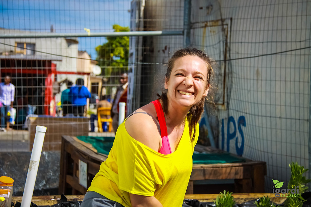 Volunteer, Fun, Team Build, Food, Vegetable, Gardens, NGO, Drought resistant garden, self-watering, Disadvantaged Community , Cape Town, CSR, Corporate Social Responsibility