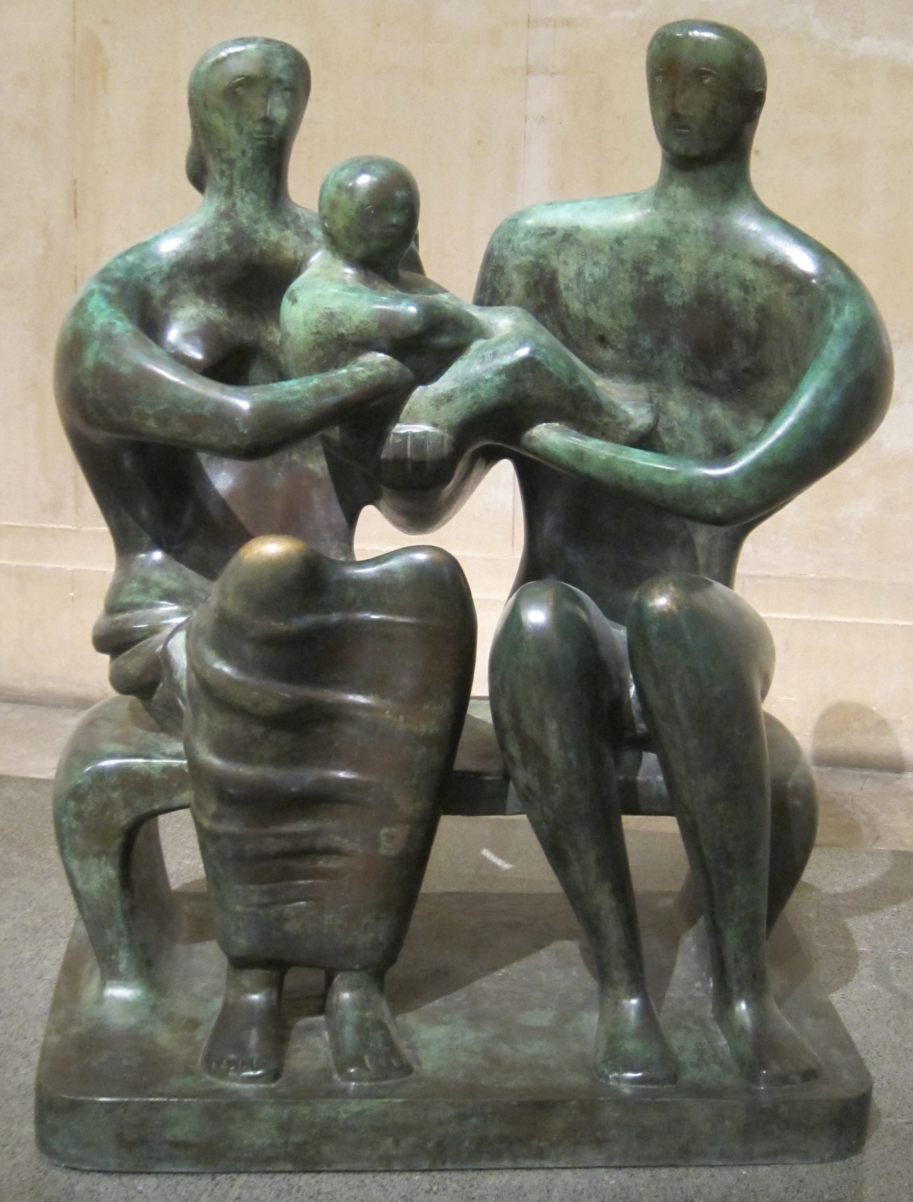 'Family_Group',_bronze_sculpture_by_Henry_Moore,_1949,_Tate_Britain