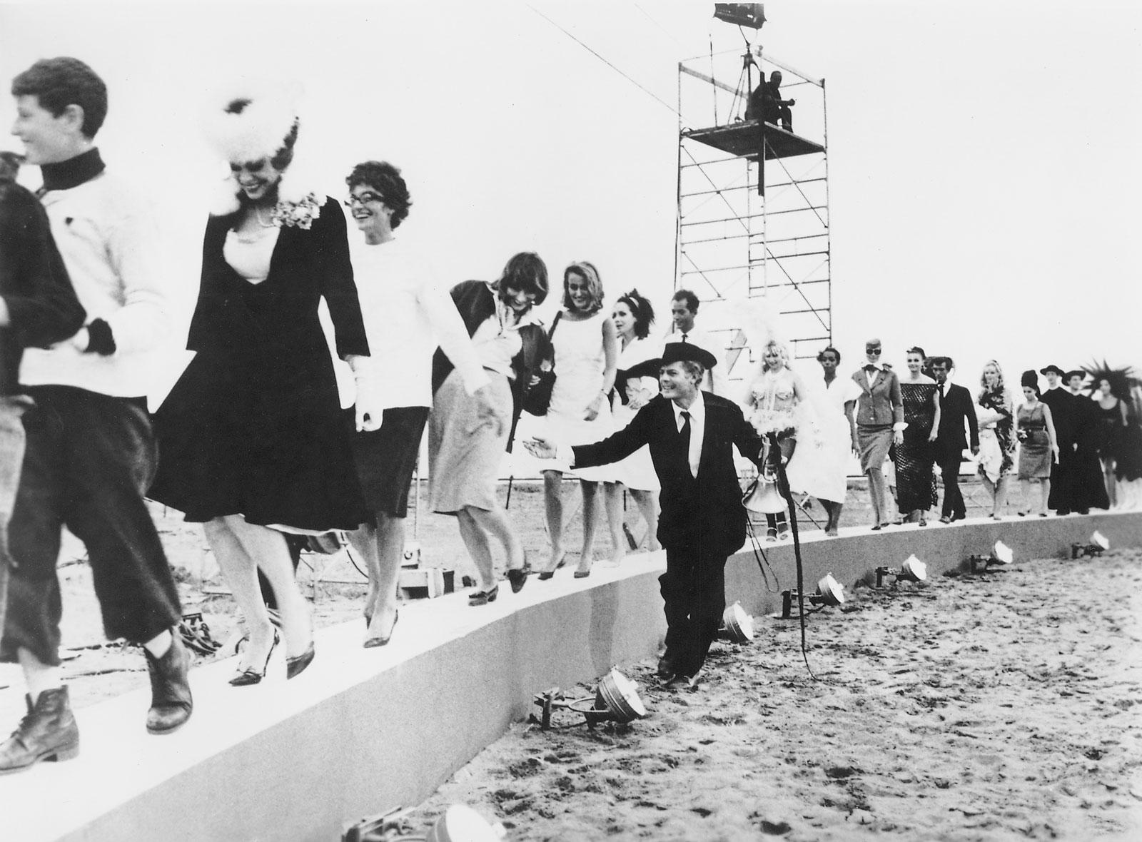 Fellini_Otto e 1_2