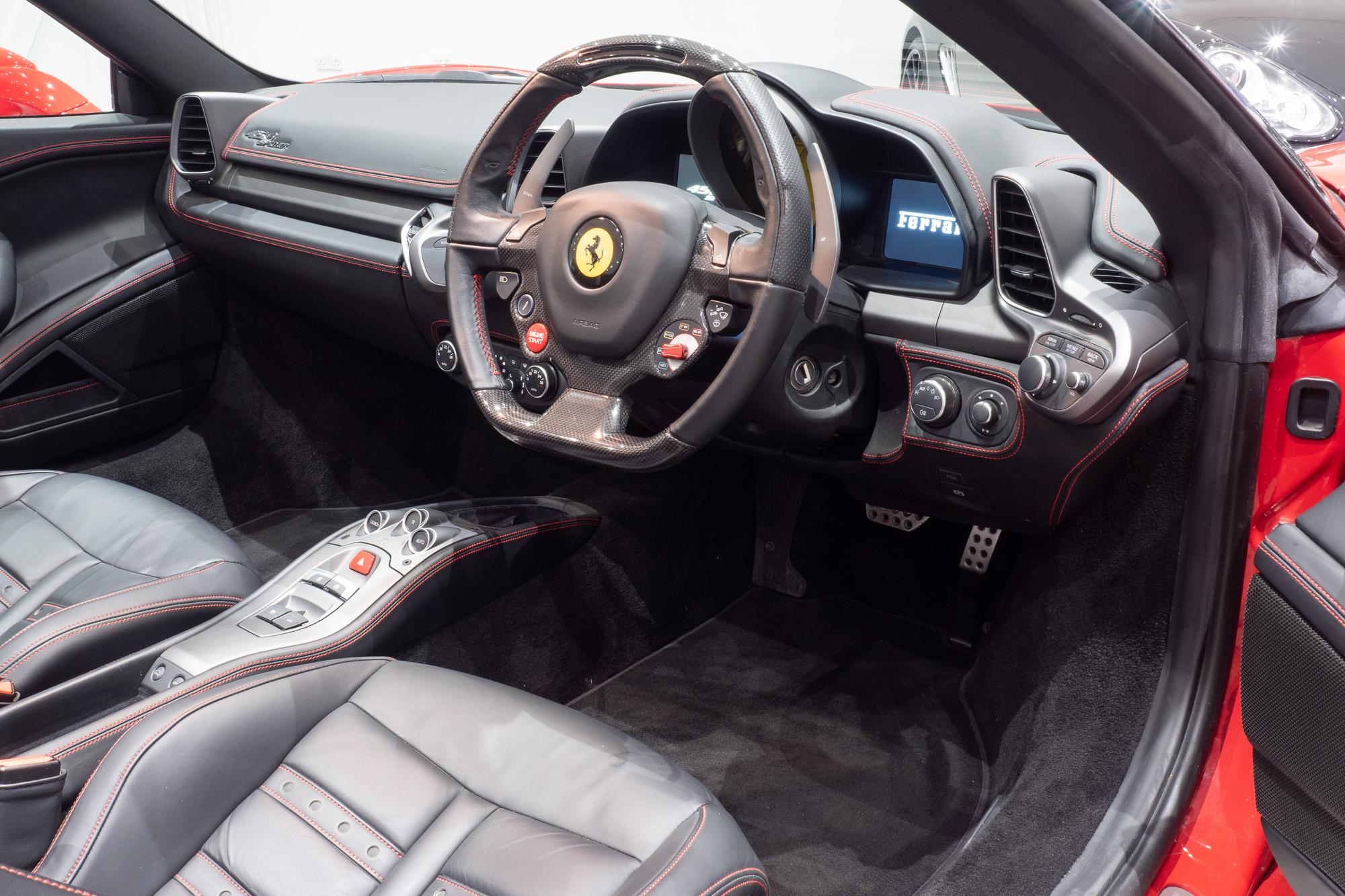 Ferrari 458 red black-8