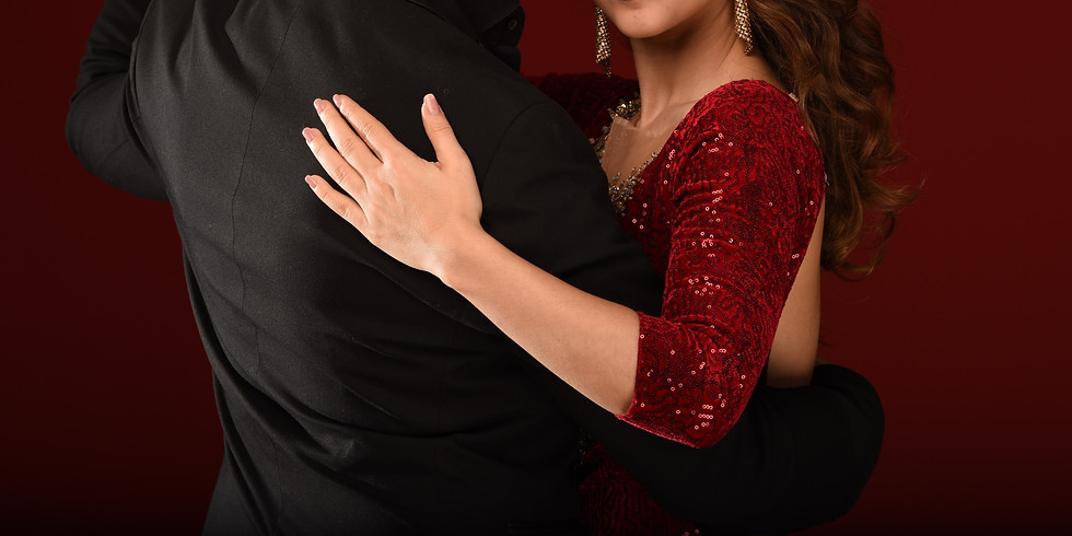 Control & Elegance in Tango Salon Giros (1)