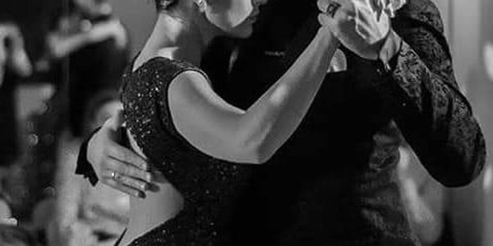Control & Elegance in Tango Salon Giros