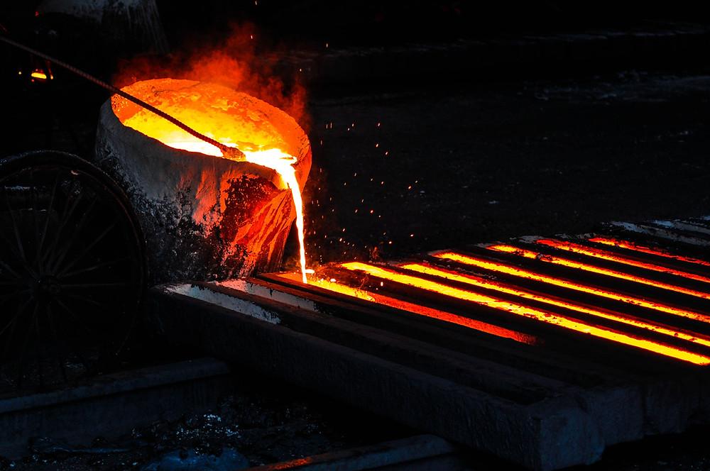 Molten metal zinc accident pre-settlement funding