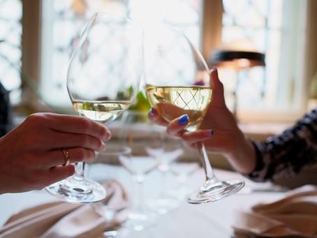 Qué vinos blancos están a la última (y por qué)