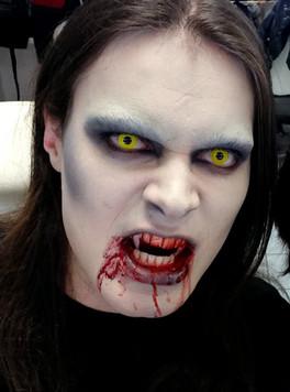 "Halloween ""Vampires"" - Eva Gelly"