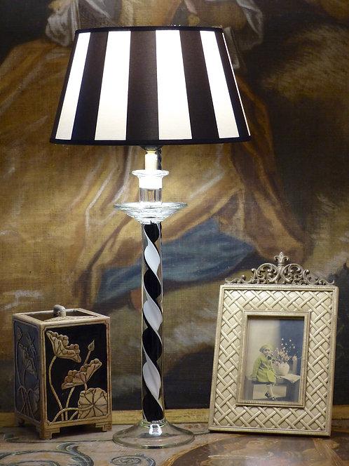 "Lampe bougeoir en verre noir et blanc ""arlequin"", XXe"
