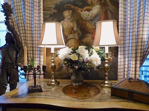 Paire de lampes : Grands bougeoirs jubilé Victoria (1896), style XVIIe