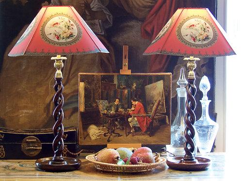 Paire de bougeoirs torsadés montés en lampes, chêne foncé, Angleterre, XIXe