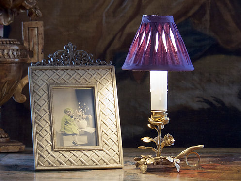 Lampe bougeoir naturaliste en bronze doré figurant une rose sur tige, XIXe