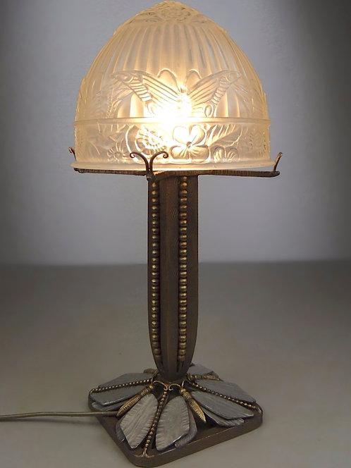 Lampe Art Déco naturaliste aux papillons, verre et fer forgé, époque 1920/1930