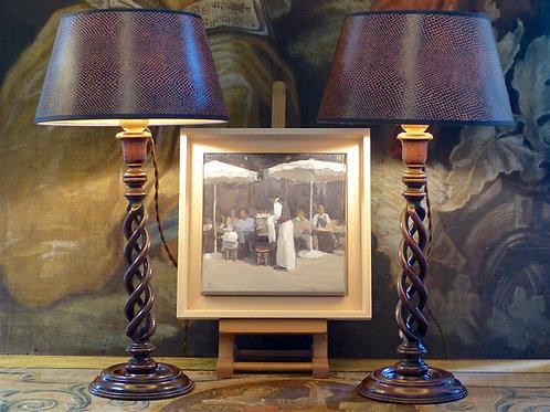 Paire de bougeoirs triple spirale montés en lampes, acajou, Angleterre, XIXe