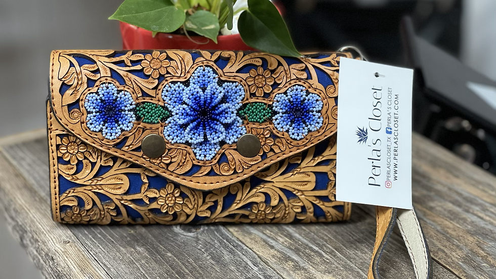 Artesanal Hand Tooled Leather Wallet