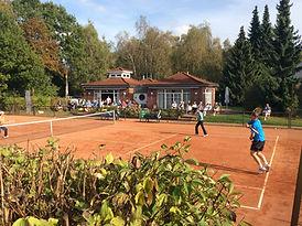 TSC_Isernhagen_Sued_Clubhaus_PLatz_1.jpg