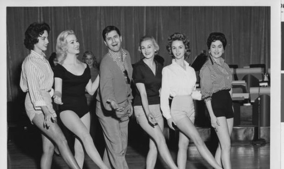 Jerry Lewis @ the girls!