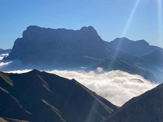 Nebelstimmung Dolomiten.JPG