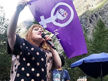 Gossip et le Logo de la Grève des Femmes!