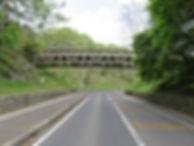 可児市美容院KaLeへの道のり案内。平成公園と身隠山古墳につながる橋です。