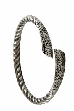 SUMATRA ACEH ANTIQUE SILVER BANGLE