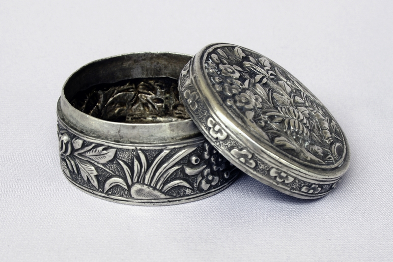SIAM CHINESE ANTIQUE SILVER BOX 4 SEASONS