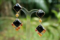 BLACK SPINNEL  DANGLING DAMIER EARRINGS