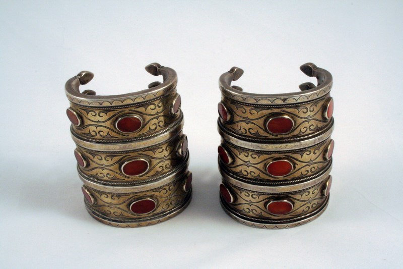 TURKOMAN PAIR OF ANTIQUE SILVER & CORNELIAN BRACELETS
