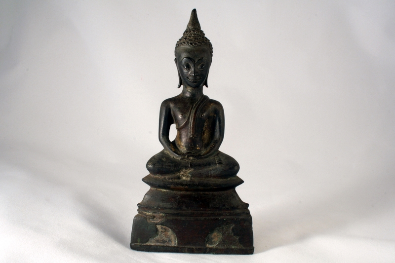 AYUTHIA ANTIQUE BRONZE MEDITATING BUDDHA