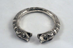 ANTIQUE SILVER DOUBLE DRAGON BRACELET