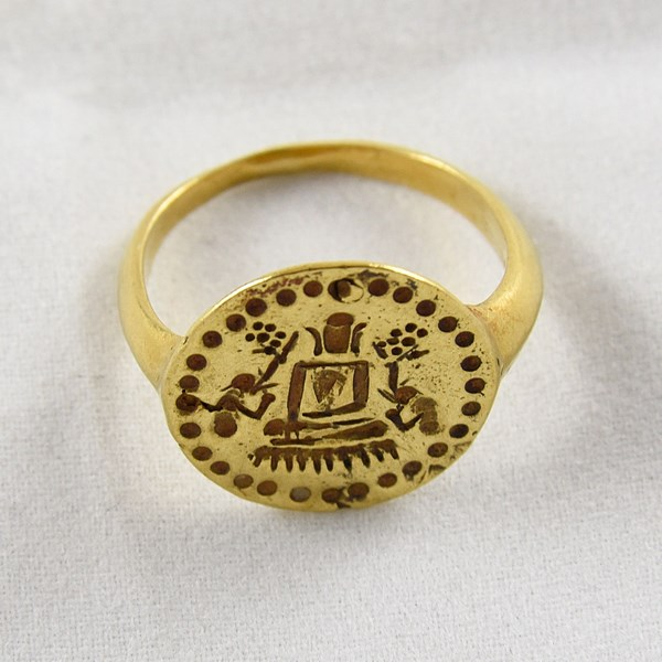 PYU GOLD BUDDHA & DISCIPLES SIGNET RING