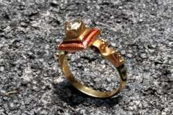 INDIA ANTIQUE DIAM/ ENAMEL GOLD RING