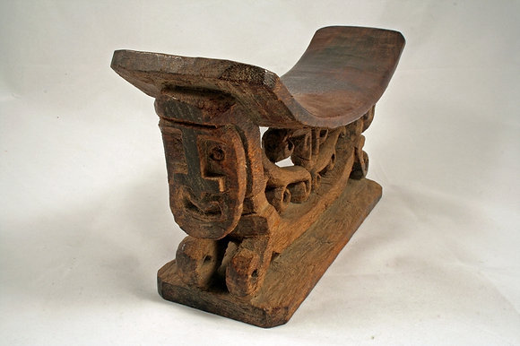 PAPUA ANTIQUE WOODEN PILLOW HEADREST