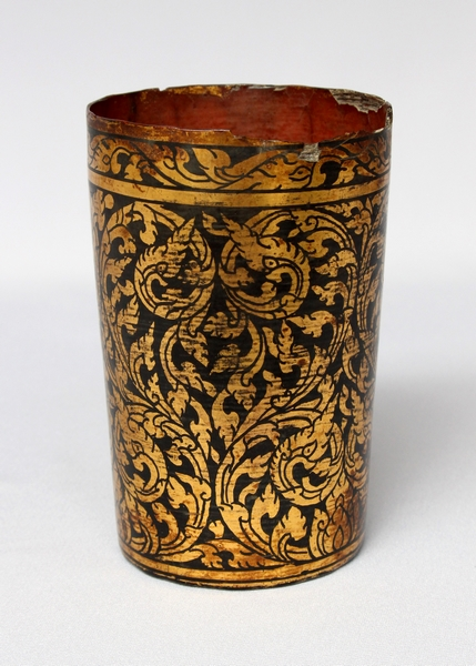 ANTIQUE SIAM LACQUER TUMBLER