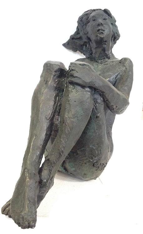 Cade, Femme assise basculant, bronze numéroté