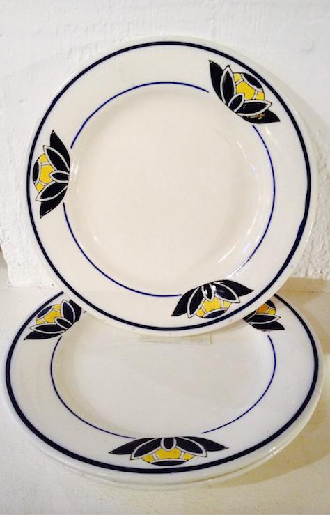 French porcelain plates/Assiettes en porcelaine française