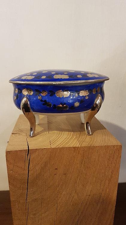French porcelain Royal blue jewerly box / Coffret à bijoux bleu royal