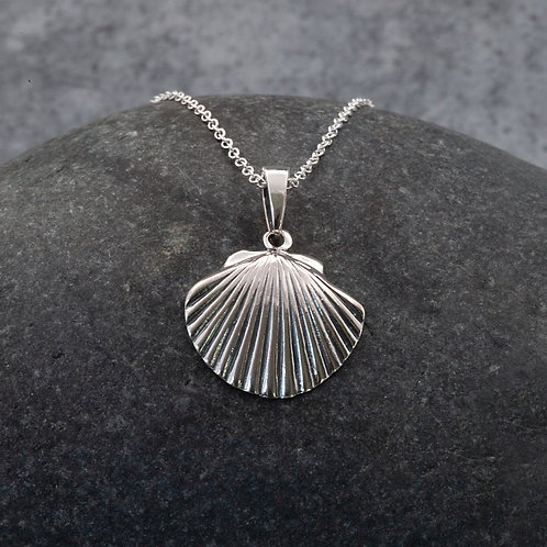 Sterling Silver - Scallop Shell Pendant Necklace