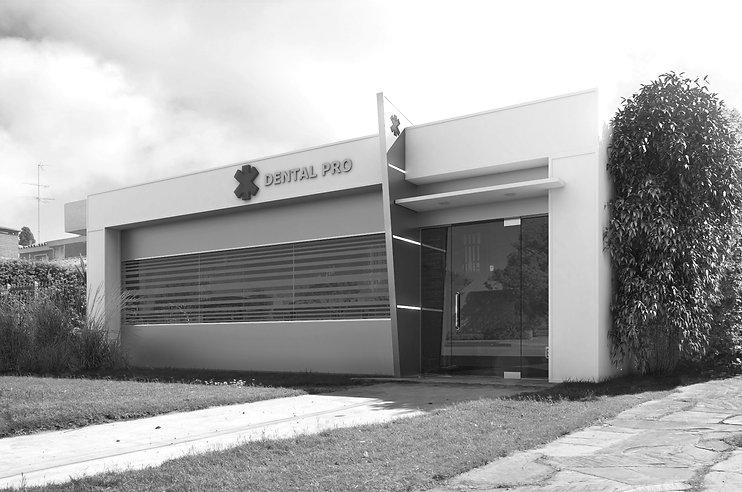 fachada clinica (2) editado.jpg